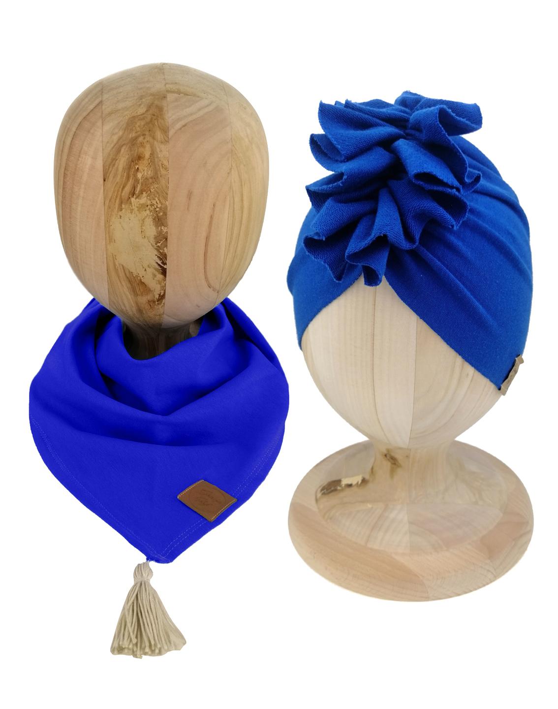 Zestaw czapka turban z chustą. Uszyty z pojedynczej miłej w dotyku dresówki. Marka Gracja Styl. Kolor chabrowy