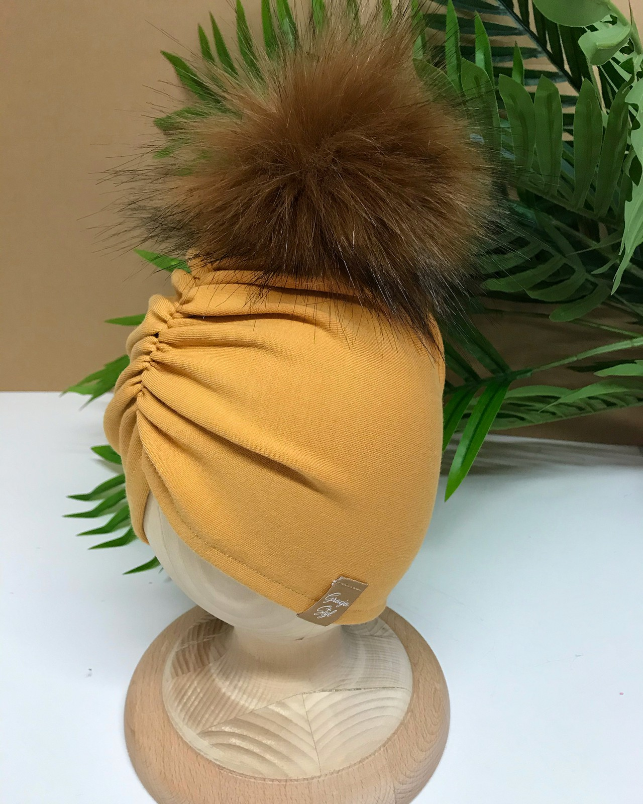 Czapka turban marszczona z pomponem