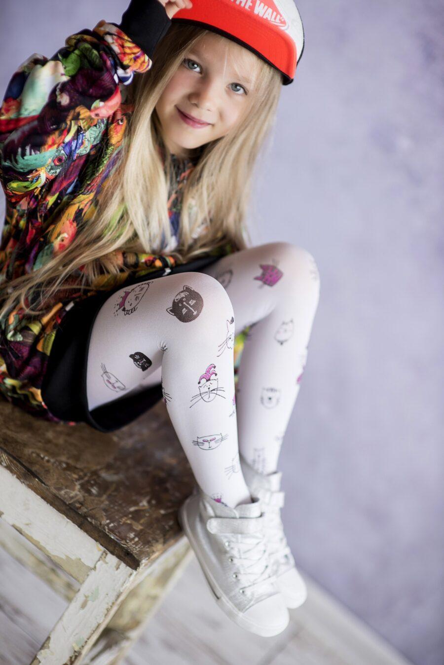 Rajstopy dziewczęce marki KNITTEX model CRAZY CAT 40 DEN