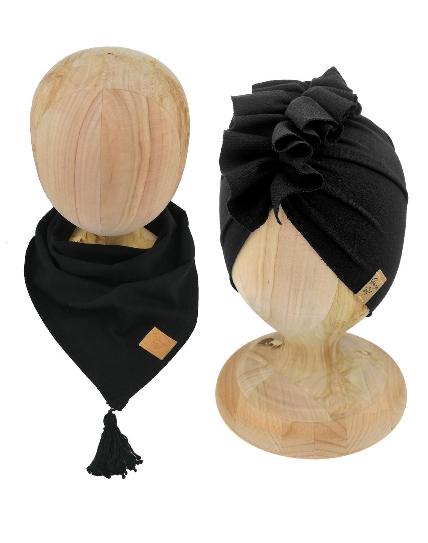 Zestaw czapka turban z chustą. Uszyty z pojedynczej miłej w dotyku dresówki. Marka Gracja Styl. Kolor czarny.