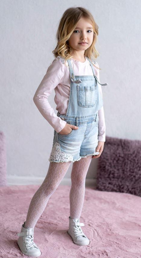 Rajstopy ażurowe dziecięce marki KNITTEX model OLIMPIA