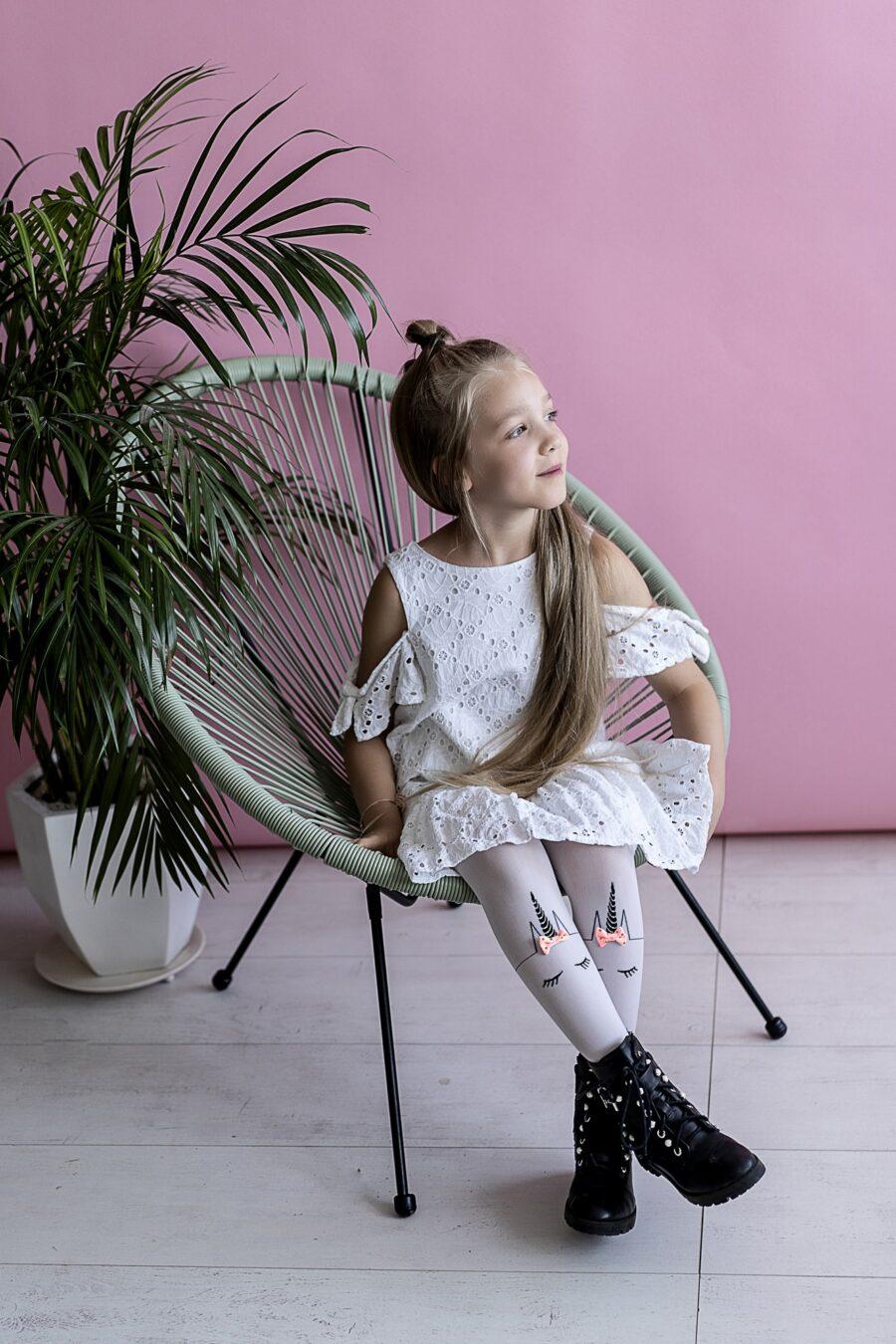 Rajstopy dziewczęce marki KNITTEX model UNICORN 40 DEN