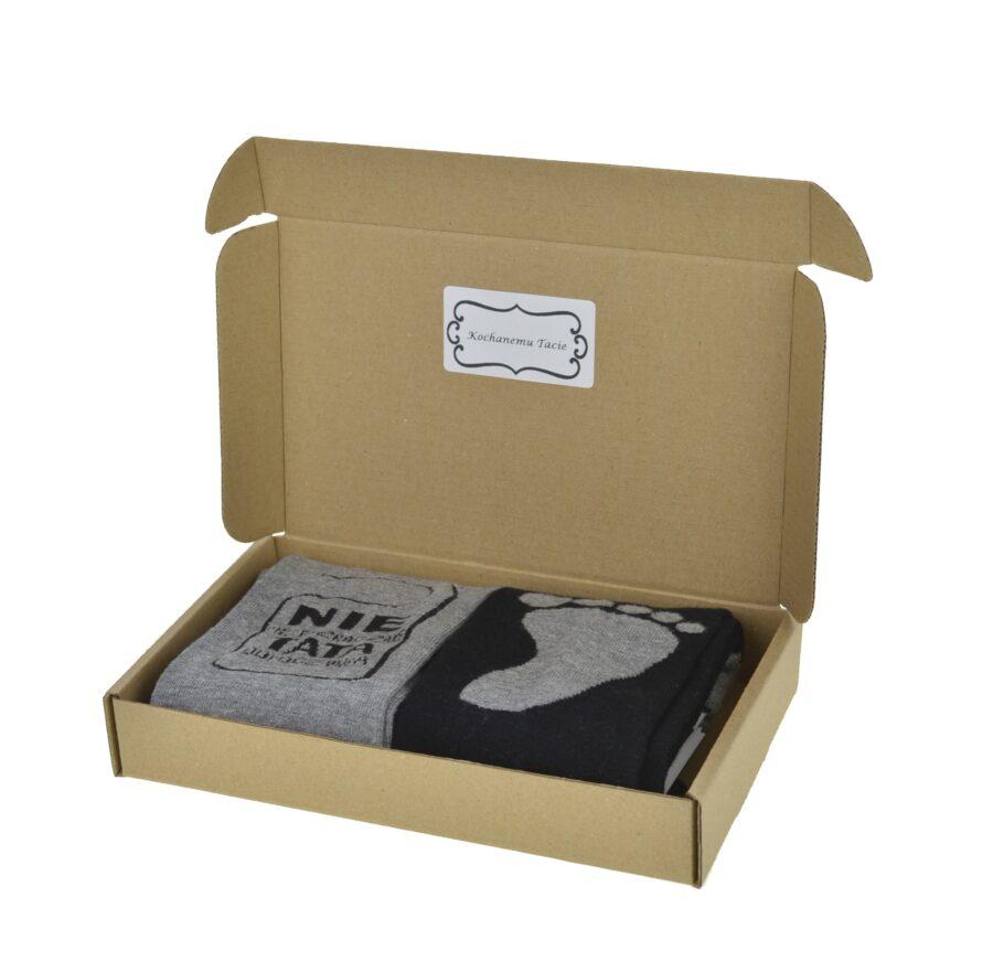 Zestaw 2 par skarpet na prezent dzień ojca bawełmniane. Marki moraj. Skarpetki zapakowane w pudełko kartonowe.
