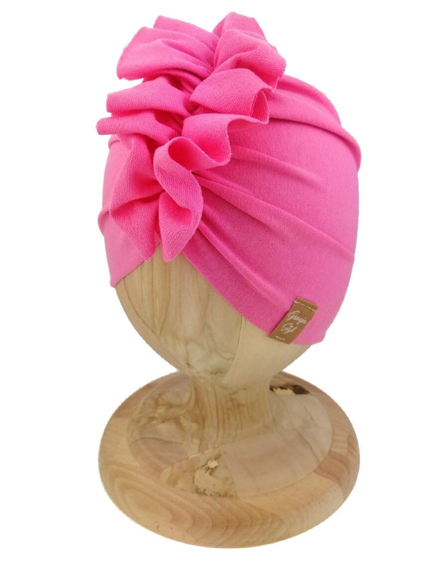 Czapka turban dziecięca marki Gracja styl. Kolor różowy cukierkowy. Produkt polski wykonany z bawełny pętelkowej typu dresówka.