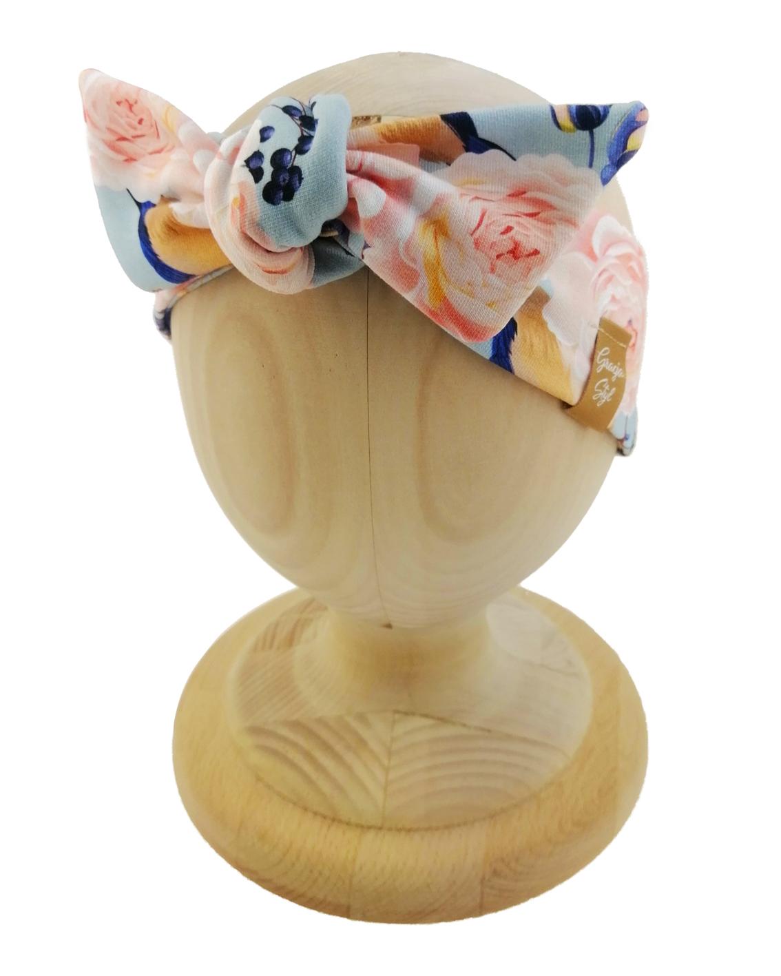 Opaska kobieca typu Pin-up marki Gracja Styl. Uszyta z bawełny petelkowej typu dresówka. Wzór opaski przedwiośnie.