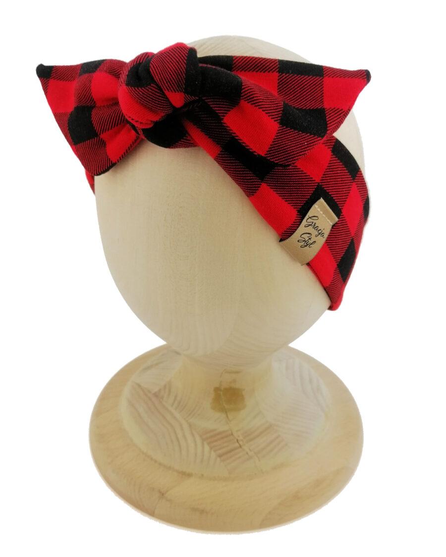 Opaska kobieca typu Pin-up marki Gracja Styl. Uszyta z bawełny petelkowej typu dresówka. Wzór kratka czerwono-czarna.