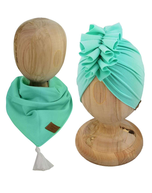 Zestaw czapka turban z chustą. Uszyty z pojedynczej miłej w dotyku dresówki. Marka Gracja Styl. Kolor miętowy