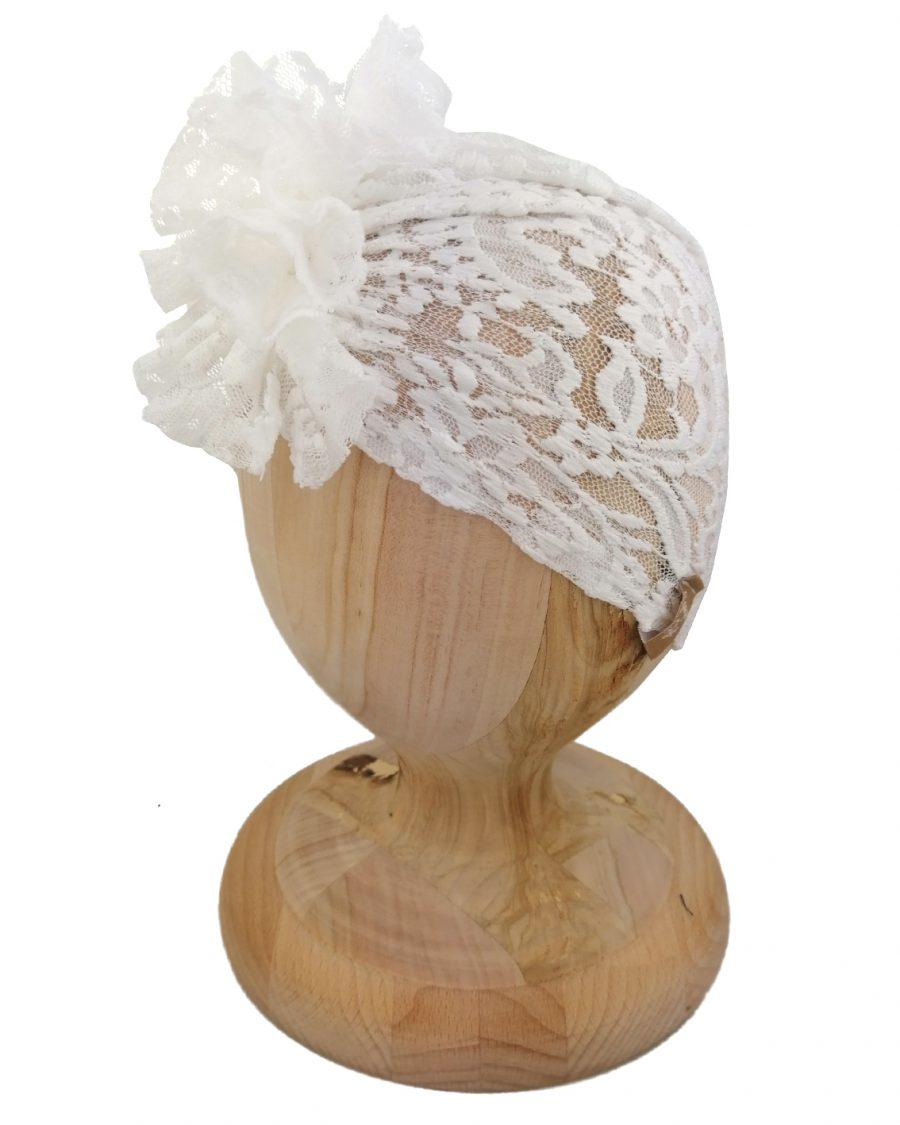 Turban koronkowy idealny dla dziewczynki. Koronka w kawiatowe wzory. Marka Gracja Styl