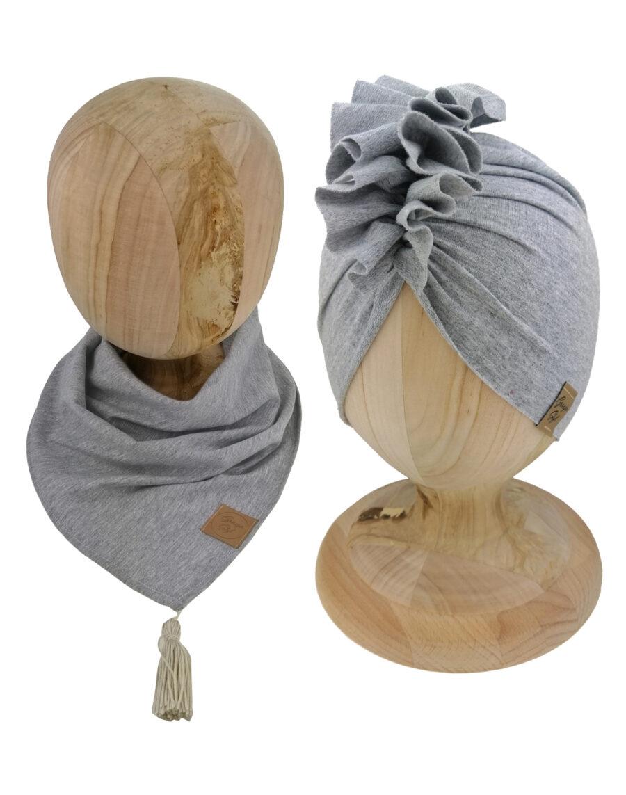 Zestaw czapka turban z chustą. Uszyty z pojedynczej miłej w dotyku dresówki. Marka Gracja Styl. Kolor szary.