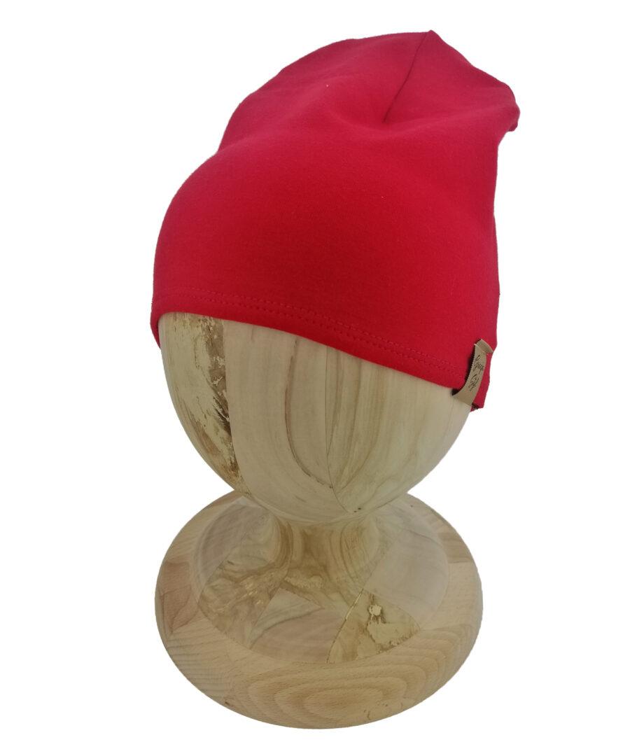 Czapka typu smerfetka, uszyta z bawełny petelkowej. Kolor czerwony.