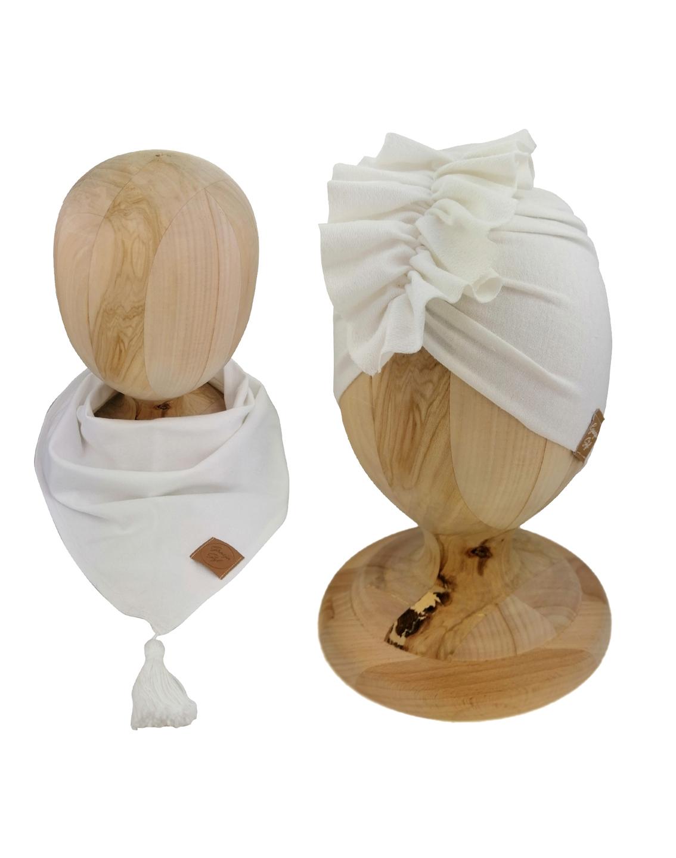 Zestaw czapka turban z chustą. Uszyty z pojedynczej miłej w dotyku dresówki. Marka Gracja Styl. Kolor ecru