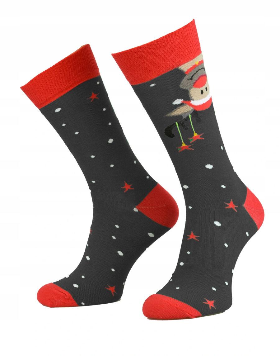 Kolorowe Świąteczne skarpetki męskie marki Milena model wzorzyste. Wzór renifer na Święta bożego narodzenia. Kolor szary.