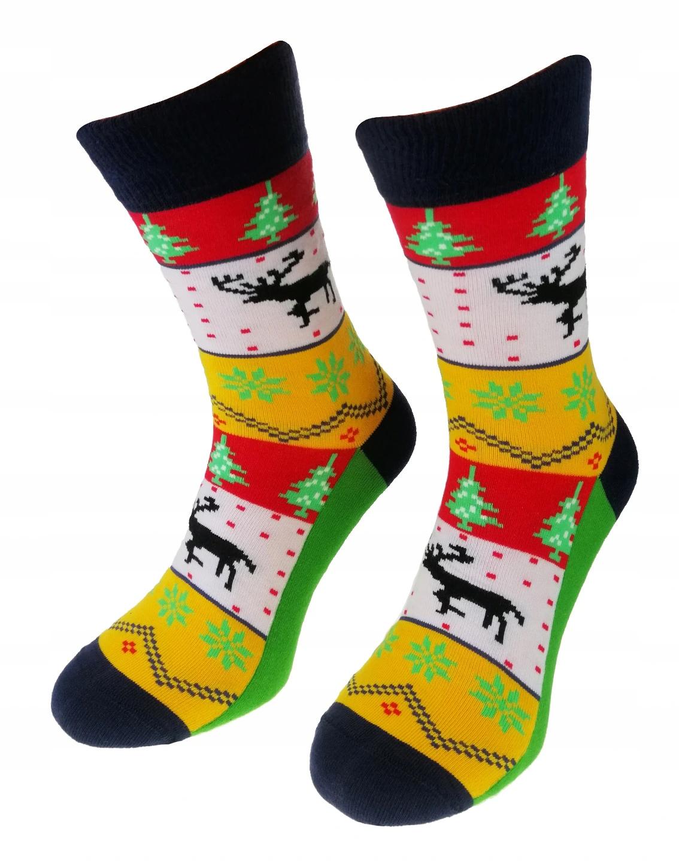 Kolorowe Świąteczne skarpetki męskie marki Milena model wzorzyste. Wzór renifer na Święta bożego narodzenia. Kolor żółty