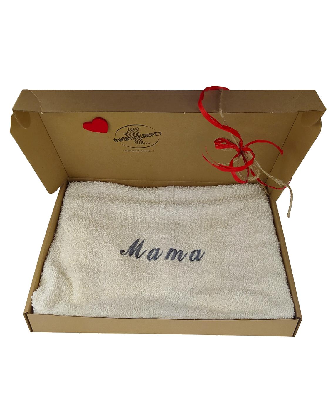 Ręczników frotte z napoisem Mama na Dzień Matki. Opakowane w eleganckie pudełko.