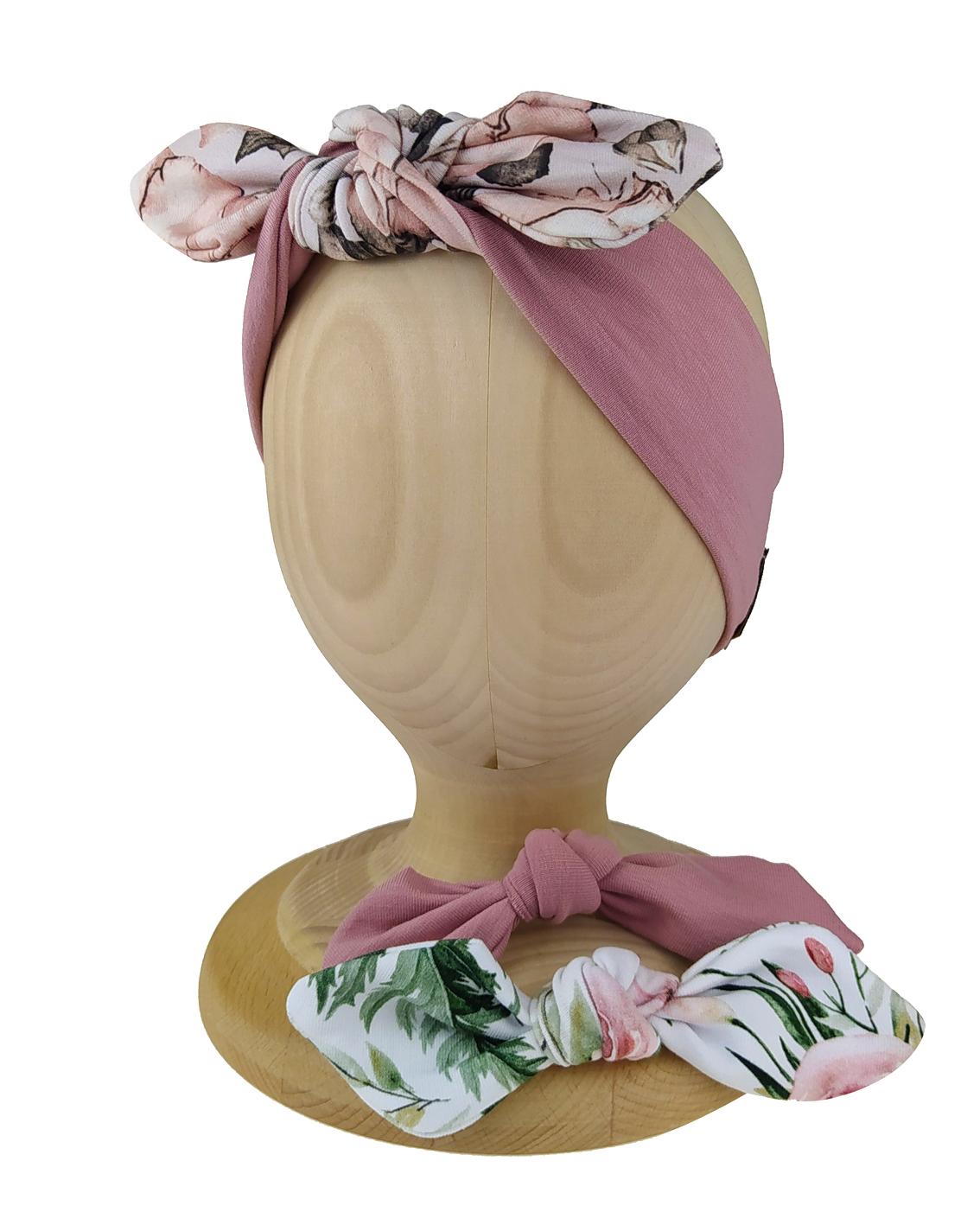Opaska wiązana typu Pin-Up uszyta z bawełny pętelkowej przez markę Gracja Styl. Opaska z wymiennymi kokardkami.